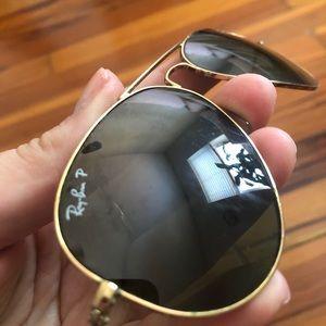 Polarized ray-Ban aviators Lifeproof sunglass case